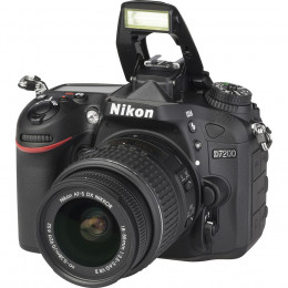 Nikon D7200 + Lentes DX 18-55 e FX 50mm f/1.8G + Bolsa + Cartão 32GB + Mini Tripé + Kit Limpeza
